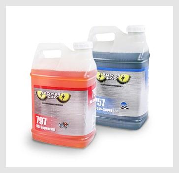Desengrasantes y detergentes para pisos duros.
